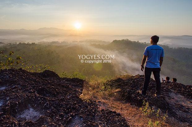 Pemandangan perbukitan kapur yang indah di puncak